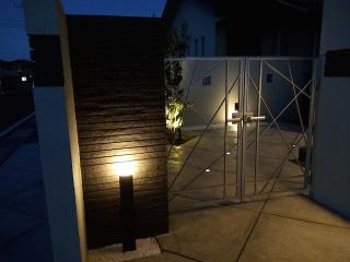 pict-LED照明でお庭を楽しむナイトガーデン実例 (7)