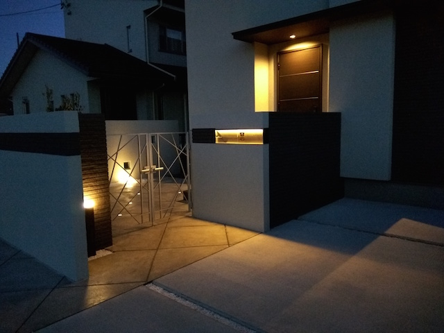 LED照明でお庭を楽しむナイトガーデン実例 (5)
